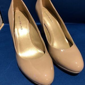 Bandolino Nude Patent Leather Pumps Size 8